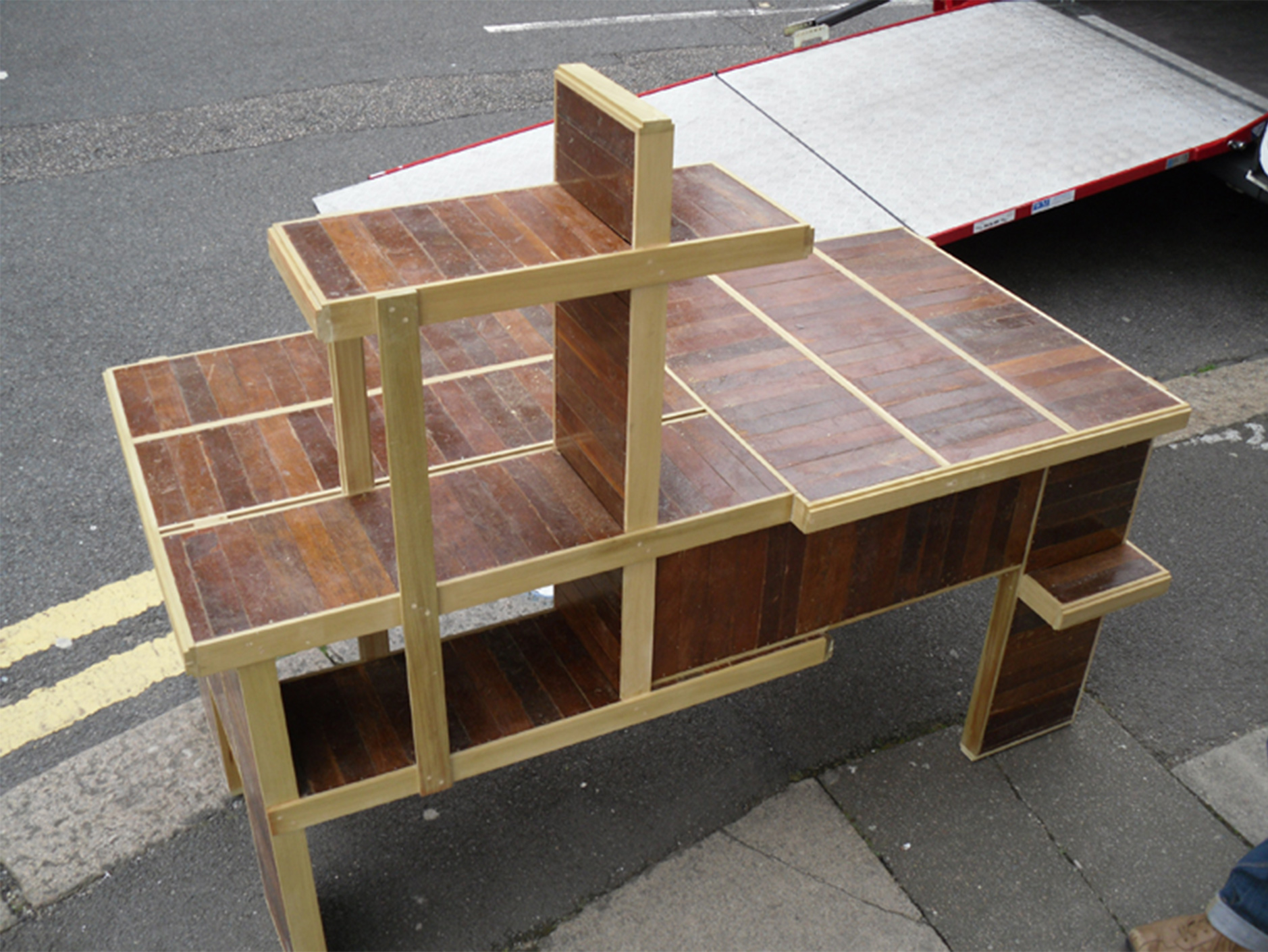 Meranti Desk 2